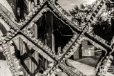 De schitterende gietijzeren voordeur van La Pedrera in Barcelona