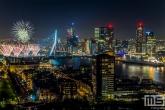 Te Koop | Het Nationale Vuurwerk bij de Erasmusbrug met de Wilhelminapier in Rotterdam