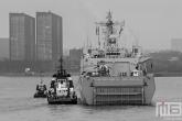 Het LPD 989 Changbaishan op de Maas in Rotterdam