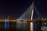 Te Koop | De Erasmusbrug en de Maas in Rotterdam tijdens de nachtelijke uren
