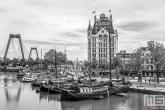 Te Koop | Het Witte Huis in de Oudehaven in Rotterdam met de Willemsbrug op de achtergrond
