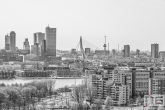 De skyline van Rotterdam met zicht op Feijenoord, De Maas en de Erasmusbrug