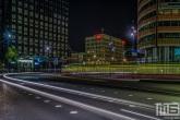 De lichtstrepen op de Wilhelminaplein in Rotterdam by Night