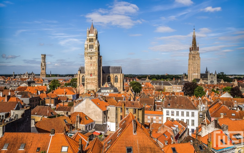 Te Koop | Het stadsgezicht met de kerken in Brugge, België