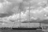 Het luxe jacht Aquijo in de Rotterdamse Waalhaven