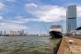 Het cruiseschip Ms Rotterdam aan de Cruise Port Rotterdam