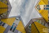 De Kubuswoningen in Rotterdam Centrum door Piet Blom