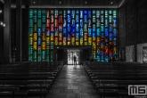 De glas in lood entree van Citykerk De Steiger in Rotterdam Centrum