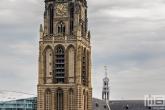 De kerktoren van de Laurenskerk in de binnenstad van Rotterdam