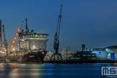 Het offshore schip van Allseas genaamd Lorelay bij Broekman Logistics in de Waalhaven in Rotterdam
