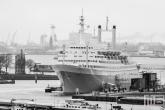 Het ss Rotterdam in zwart/wit in Rotterdam Katendrecht