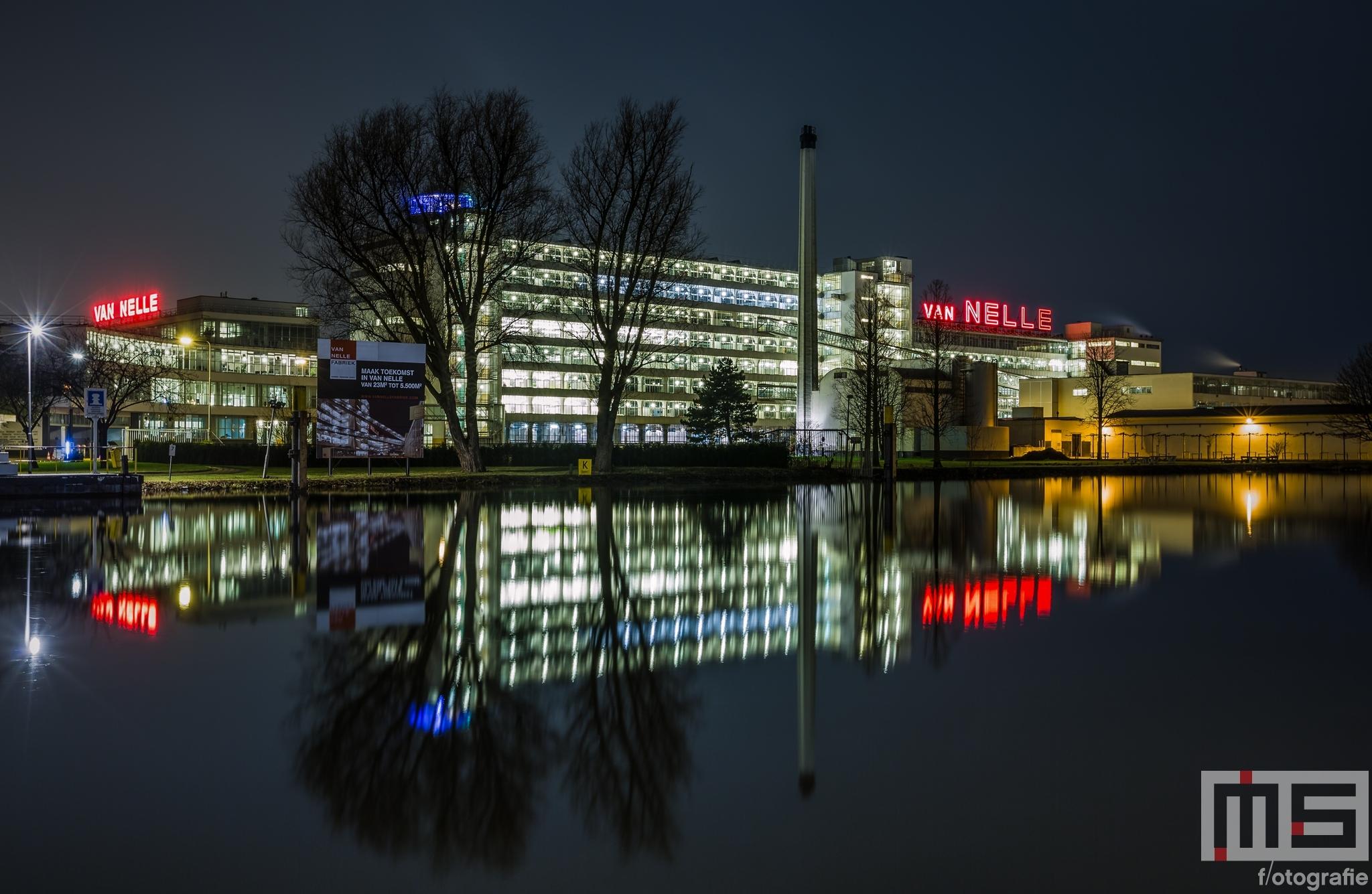Te Koop | De Van Nelle Fabriek in Rotterdam by Night