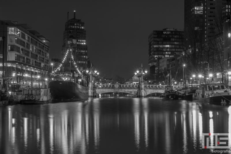 De Wijnhaven in Rotterdam by Night