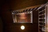 Het trappenhuis van debatkerk Arminius in Rotterdam Centrum