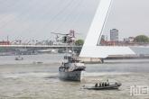 De piratendemo op het schip Castor tijdens de Wereldhavendagen in Rotterdam