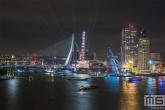 Te Koop | De botenparade van het avondprogramma van de Wereldhavendagen in Rotterdam in zwart/wit