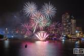 De vuurwerkshow van het avondprogramma van de Wereldhavendagen in Rotterdam