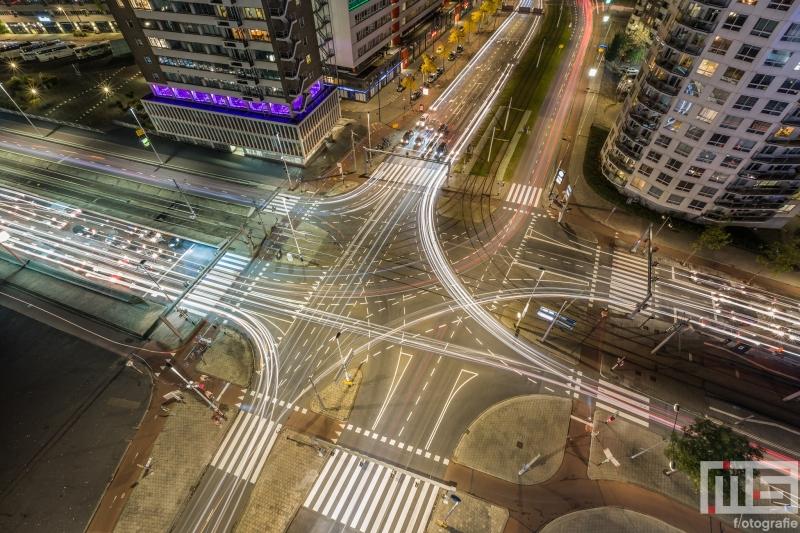 Te Koop | Het Vasteland aan de voet van de Erasmusbrug in Rotterdam by Night