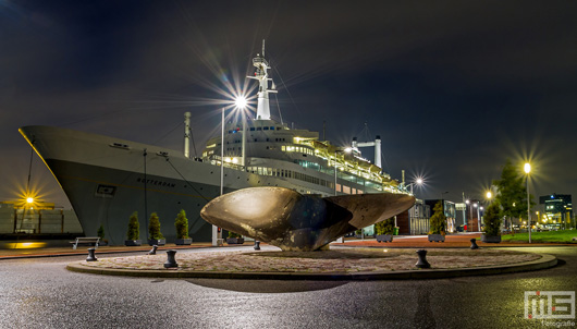 Het Cruiseschip ss Rotterdam in Rotterdam Katendrecht | Cover Small