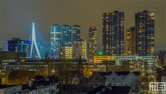 De Erasmusbrug en de skyline van Rotterdam by Night | Cover Small