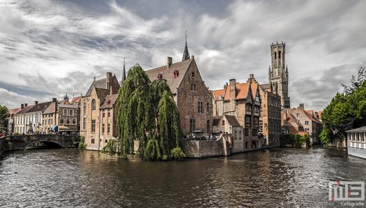 De Rozenhoedkaai in Brugge | Cover Small