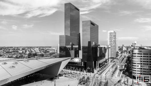 Het Stationsplein met het Centraal Station in Rotterdam Centrum | Cover Small