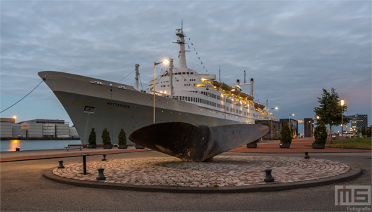 Het ss Rotterdam in Katendrecht in Rotterdam by Night | Cover Small