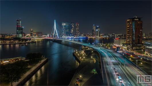 De skyline van Rotterdam met de Erasmusbrug en andere stadsgezichten | Cover Small
