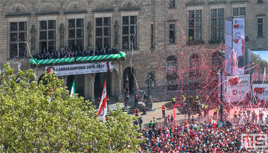 Huldiging van kampioen Feyenoord op de Coolsingel in Rotterdam | Cover Small