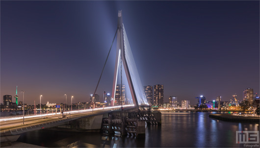 Rotterdam by Night - Ode aan de Erasmusbrug | Cover Small