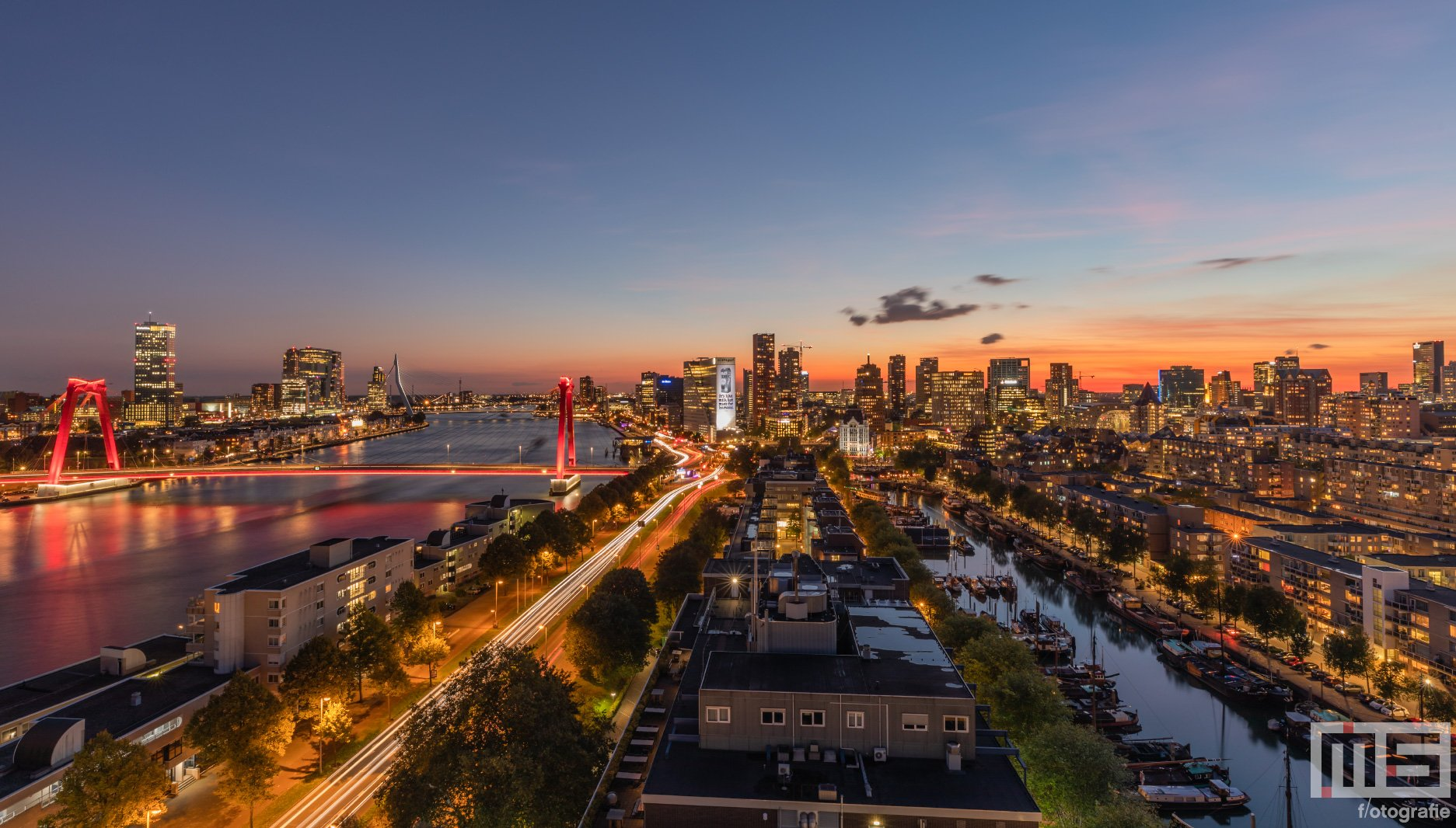 Zonsondergang in Rotterdam | Rotterdam by Night Cover