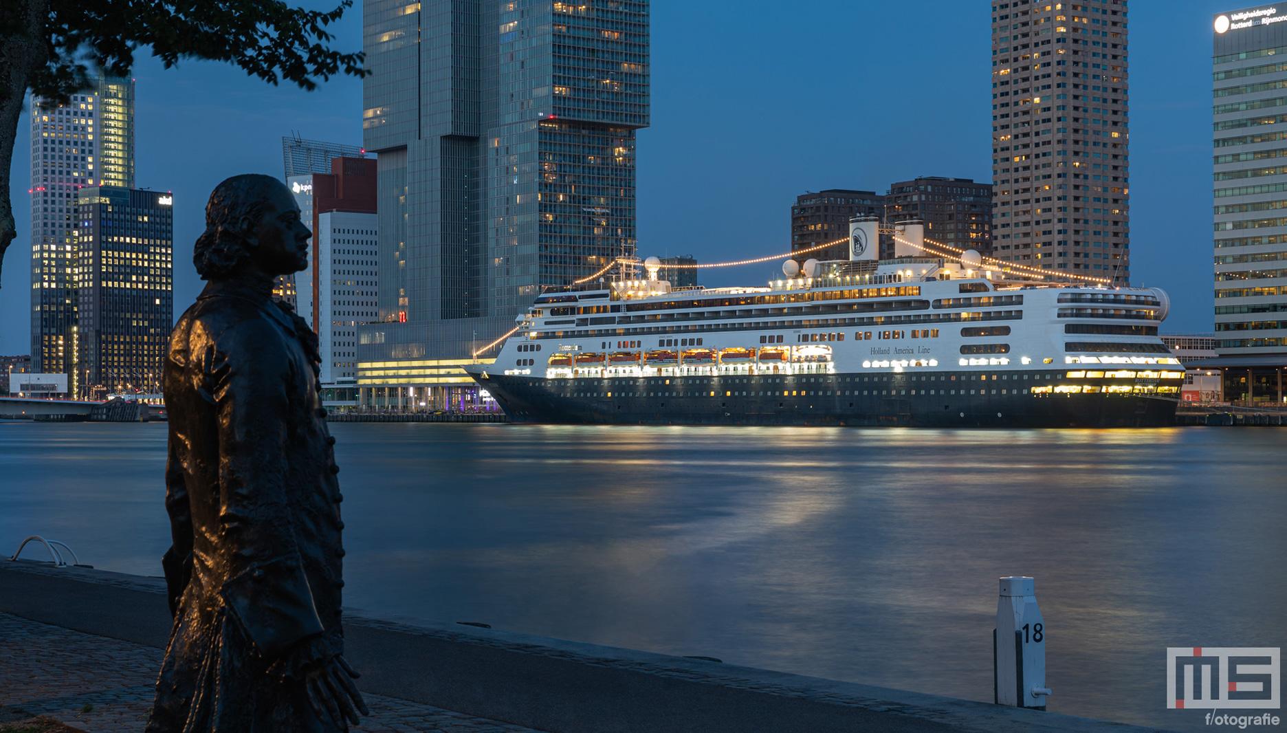 MS Rotterdam voor de laatste keer in Rotterdam | Cover