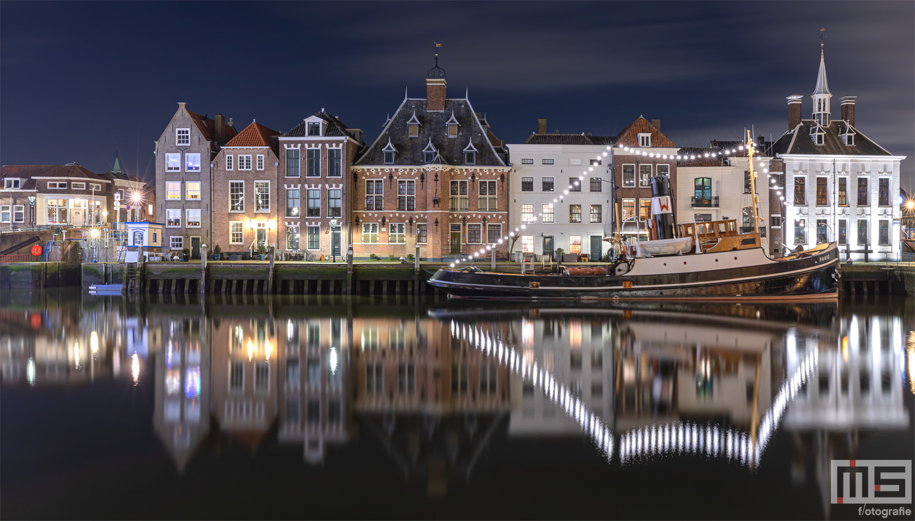 Maassluis by Night De Kolk Stoomzeesleper Furie | Cover