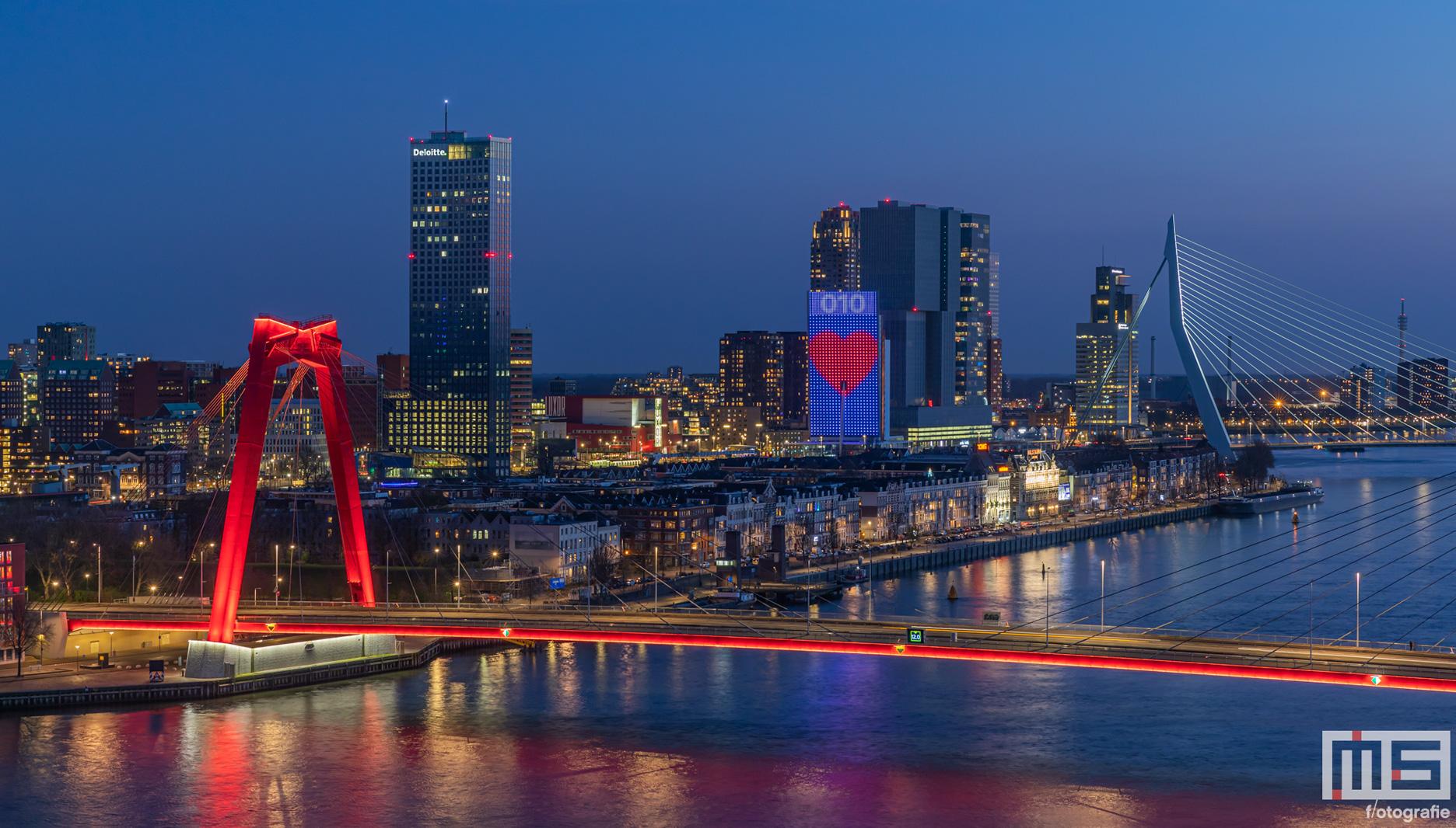 De 10 mooiste foto's van de Willemsbrug Rotterdam | Cover