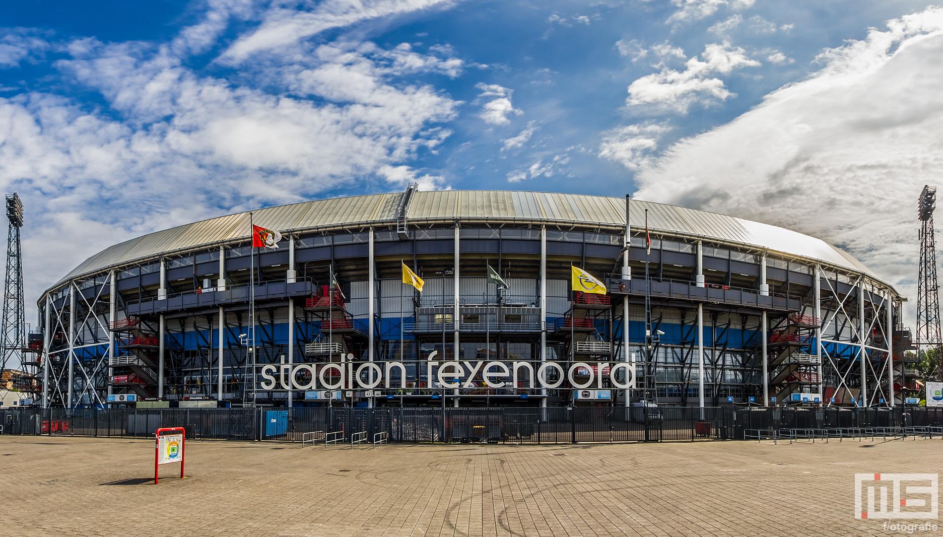 Feyenoord Mokken De Kuip | Cover
